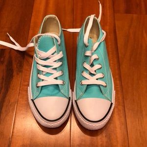 New Turquoise Airwalk Sneakers - Size 7.5